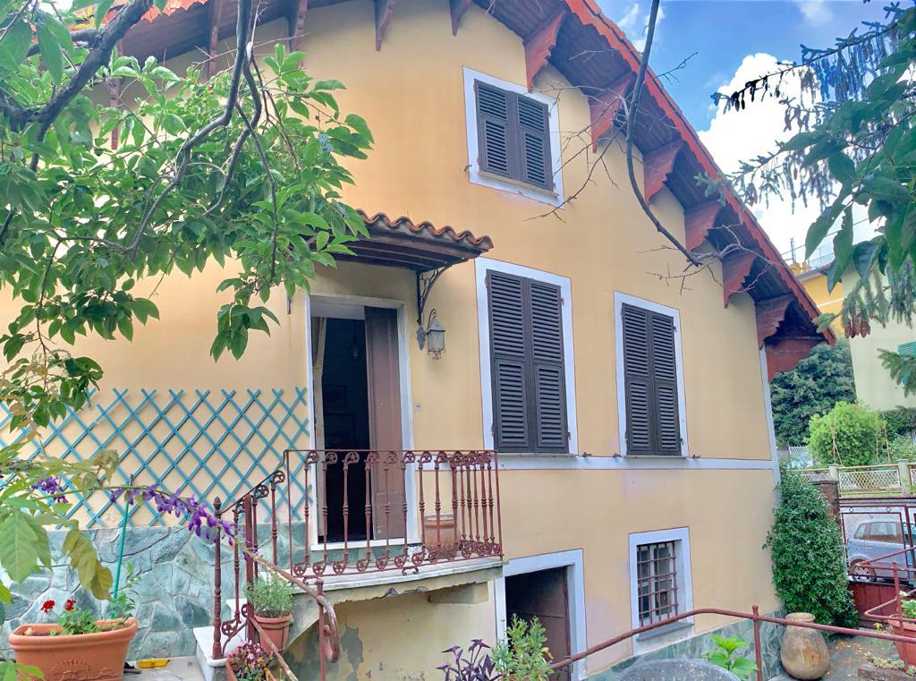 Villa bifamiliare Campomorone