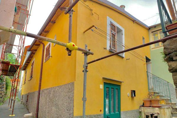 Casa di campagna semidipendente in borgo Davagna