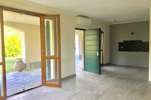Appartamento in villa con giardino e box Struppa