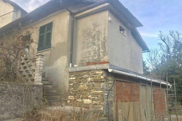 Casa indipendente con terreno Davagna Serrato