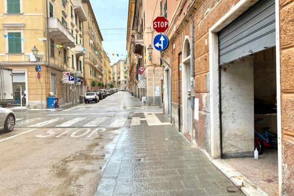 Box auto / Magazzino Cornigliano