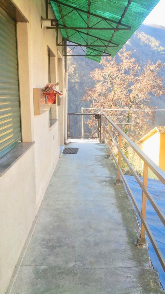 Appartamento vani 4,5 Bargagli con balcone