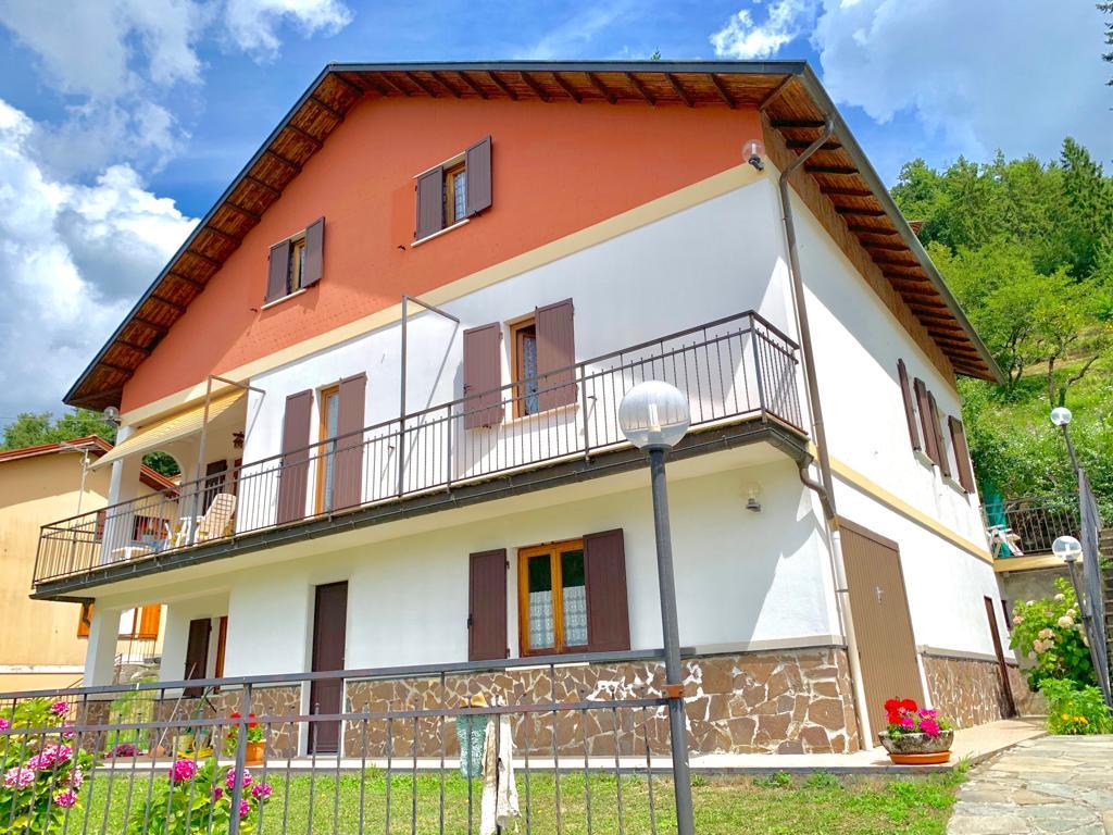 Villa Plurifamiliare Torriglia con parco privato