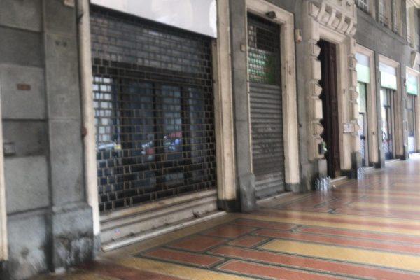 Negozio / locale commerciale / Ufficio con vetrina Sampiardarena