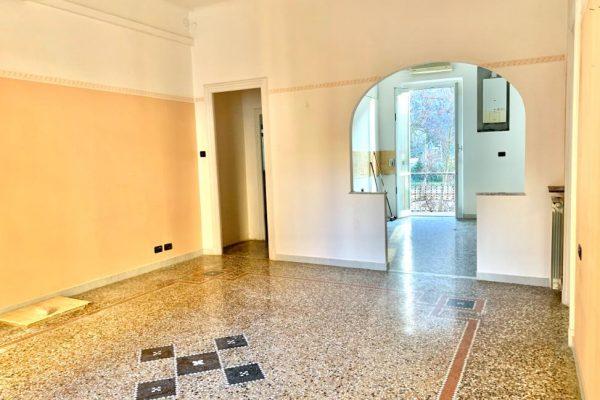 Appartamento vani7 con Balcone Molassana