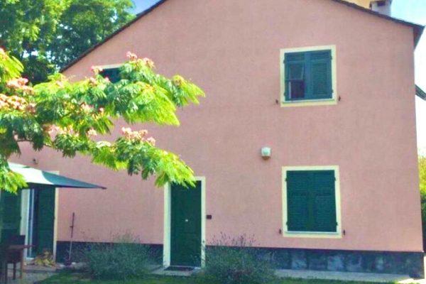 Villetta con piscina in giardino Borzoli