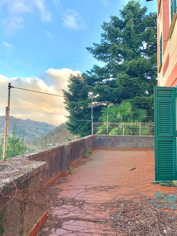 Appartamento in villa con giardino e terrazzo Campomorone