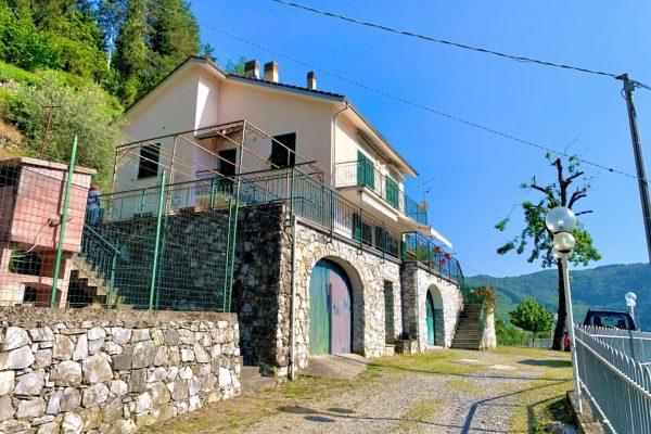 Villa bifamiliare con terrazzo e giardino Bargagli