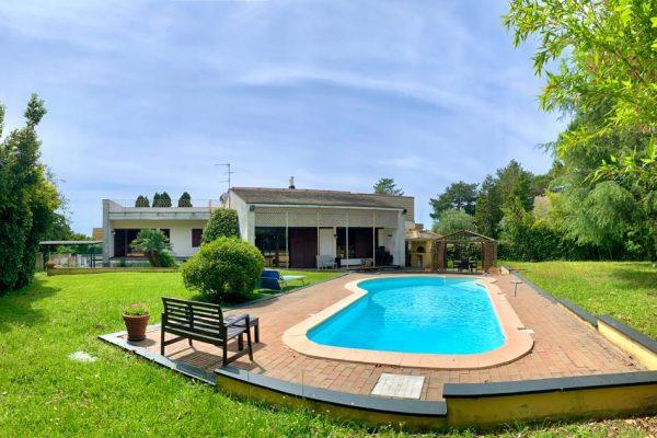 Villa indipendente con piscina privata Arenzano Pineta