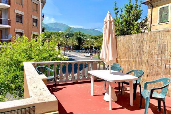 Appartamento indipendente con giardino e terrazzo Loano sul mare