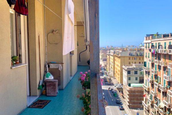 Appartamento vani 5,5 Marassi con balconata vivibile